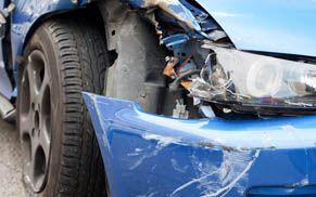 Autofront zerstört